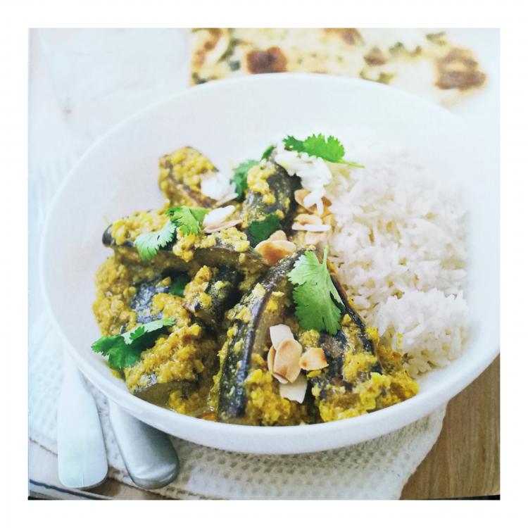 aubergines au curry, riz et amandes